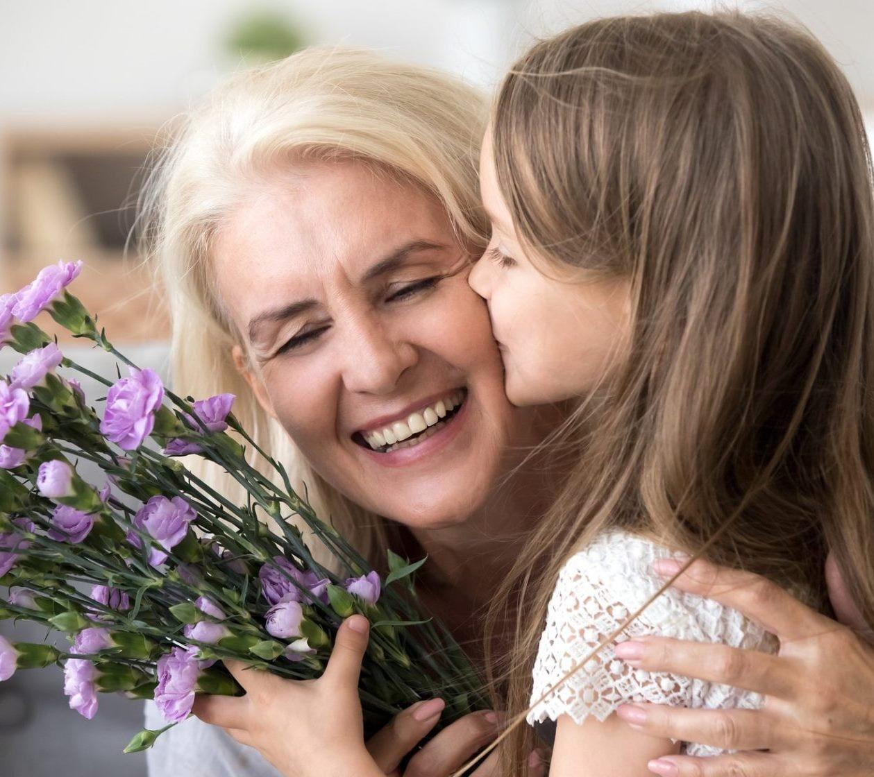 Каким должен быть букет для бабушки?