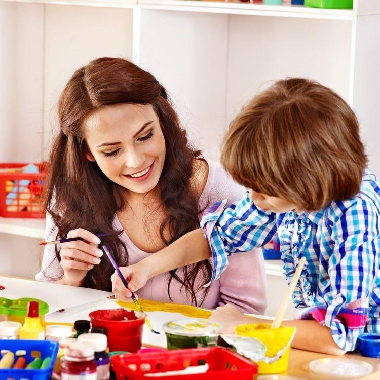 Что подарить на День воспитателя?
